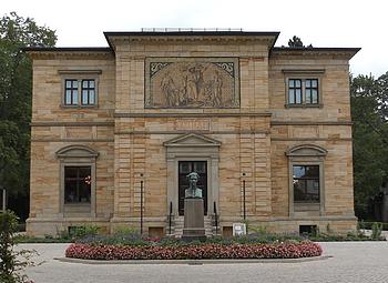 """Genius loci der """"Götter-Dämmerung"""" und des """"Parsifal"""": Die Villa """"Wahnfried"""" des Dichters und Musikers Richard Wagner"""