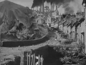 ...drohende Zerstörung durch rauchende Fabrik-Schlote - Richard Llewellyn: So grün war mein Tal - Roman (Vergessene Bücher)