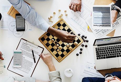Schachcomputer - Computerschach - Schachstrategie - Fernschach - Schachanalysen - Glarean Magazin